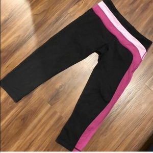 Lululemon cropped leggings! Great condition! Sz 6